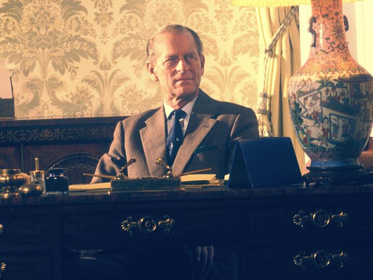 Фото №1 - Почему принц Филипп не хотел переезжать в Букингемский дворец вслед за Елизаветой