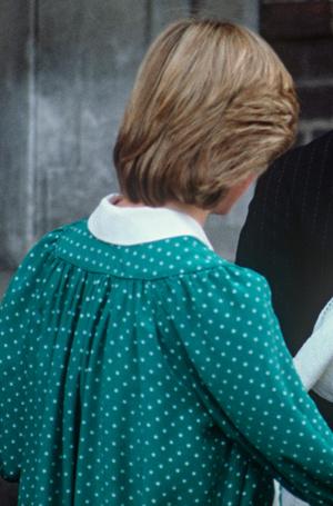 Фото №9 - Искусство «возвращения домой»: как принцесса Диана и Кейт Миддлтон изменили вековую традицию