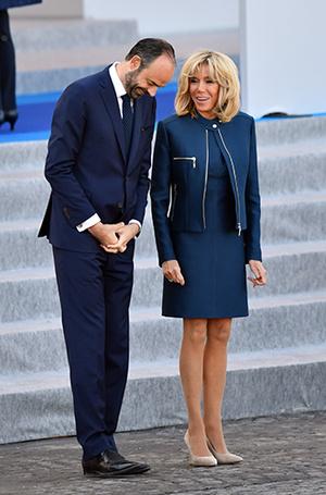 Фото №12 - Как Брижит Макрон сняла табу на мини-юбки и стала новой иконой стиля Франции