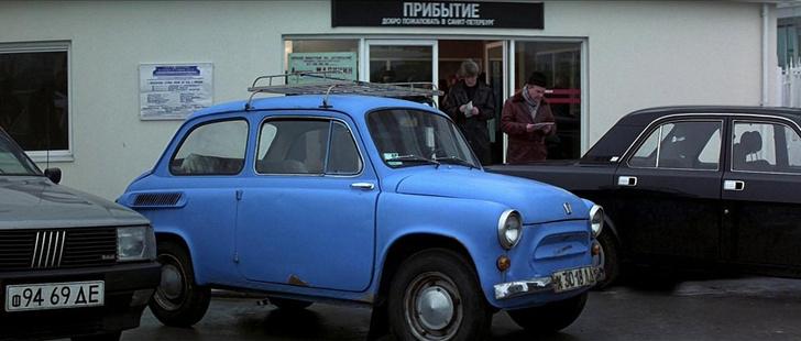 Фото №1 - Самые негероические автомобили Джеймса Бонда