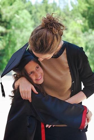 Фото №16 - Из «сирийской Дианы» в «Первую леди из ада»: история Асмы Асад