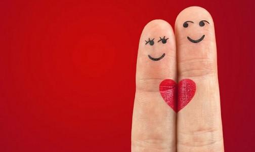 Фото №1 - Петербургских влюбленных просят поделиться любовью с пациентами больниц - сдать кровь