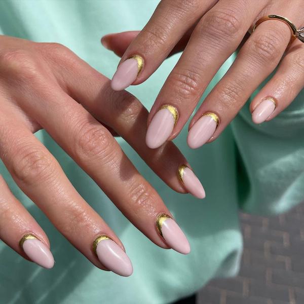Фото №9 - С каким цветом ногти кажутся длиннее: 10 самых модных маникюров
