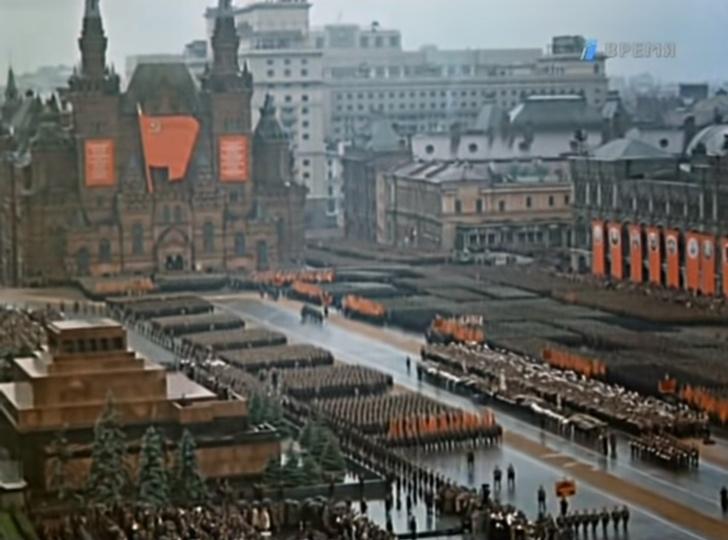 Фото №1 - Цветное видео первого парада Победы 24 июня 1945 года