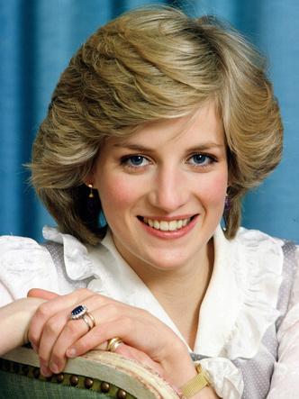 Фото №5 - Почему помолвочное кольцо Дианы стало предметом раздора в королевской семье