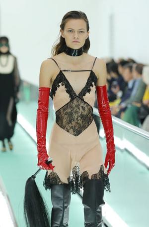 Фото №6 - «Уродливая» мода: почему современные тренды нас отталкивают (и как научиться их понимать)