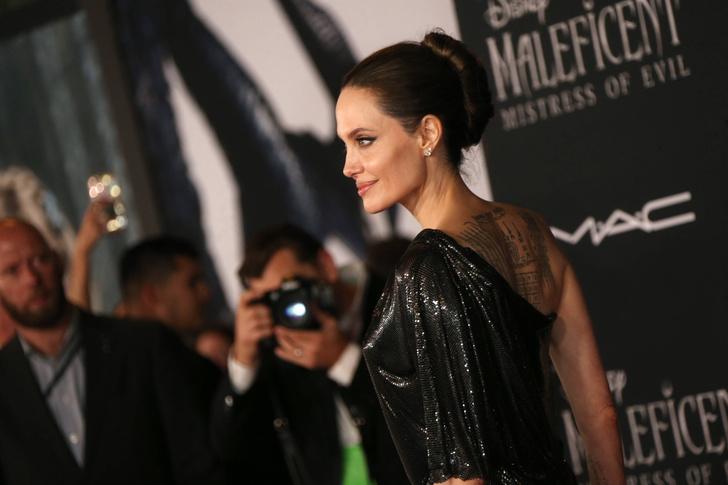 Фото №26 - Почему Анджелина Джоли — снова икона стиля, или Что такое luxe purism