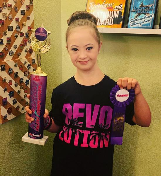 Фото №6 - Девочка с лейкемией и синдромом Дауна стала моделью: фото
