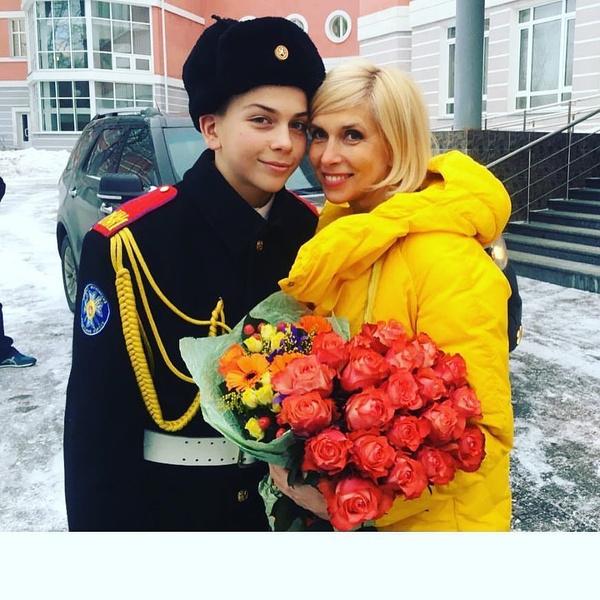 Фото №3 - 58-летняя Алена Свиридова показала повзрослевшего сына