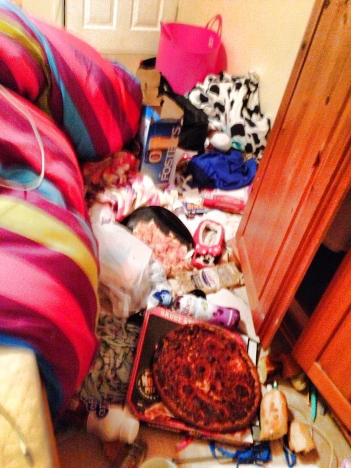 Фото №4 - Самые грязные спальни простых британцев: 16 трогательных фото