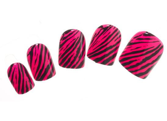 Фото №3 - Нано-красота: лак для губ, фломастер для глаз и маркер для ногтей