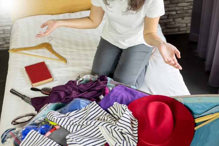 Фото №1 - Вместить нельзя оставить: полезные лайфхаки для маленького чемодана