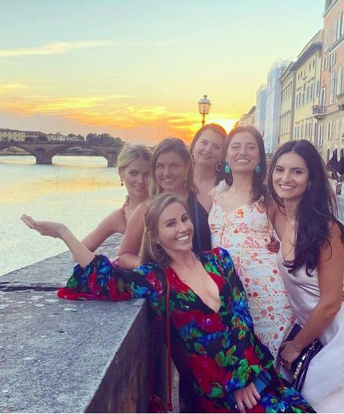 Фото №4 - Девичник в Риме, венчание в палаццо и 5 платьев Dolce&Gabbana: детали «свадьбы года» племянницы леди Ди
