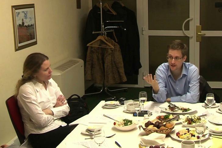 Фото №1 - Эдвард Сноуден может остаться в России