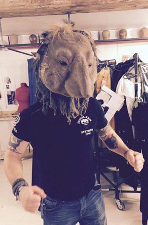 Фото №7 - «Табу»: новый безумец Тома Харди в самом модном сериале сезона