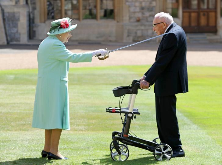 Фото №2 - Столетний герой: кто такой Томас Мур, и почему им восхищается Королева (и весь мир)