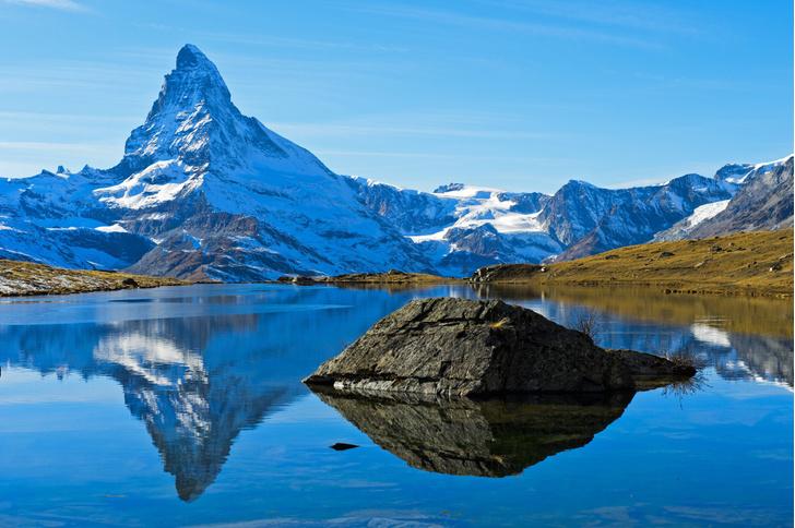 Фото №1 - Альпы трескаются из-за потепления