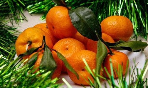 Фото №1 - Зелень, красота и никакой картошки. 9 советов диетолога, способных «порадовать» желудок в новогоднюю ночь