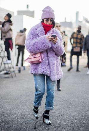 Фото №2 - Шапки, повязки, платки: лучшие головные уборы для зимы 2018