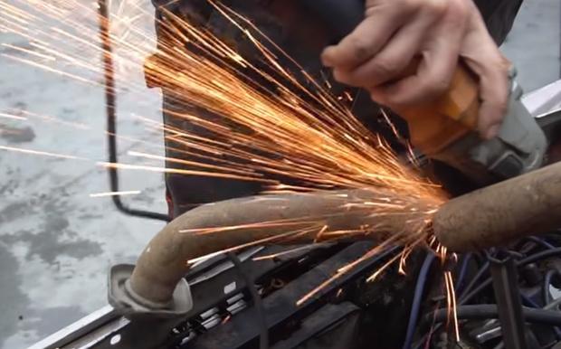 Фото №1 - Русские умельцы ставят эксперимент: 9 глушителей в автомобиль (видео)