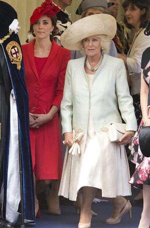 Фото №25 - Искусство реверанса: как современные принцессы и королевы приветствуют друг друга