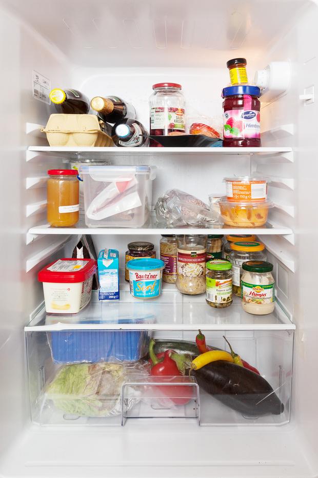 Фото №11 - Что лежит в холодильнике у жителей разных стран: 54 любознательных фото