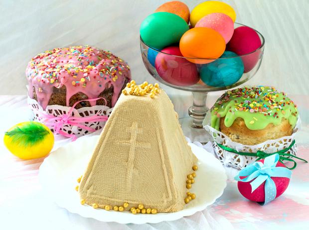 Фото №1 - Готовим кулич, красим яйца: 3 классических пасхальных рецепта