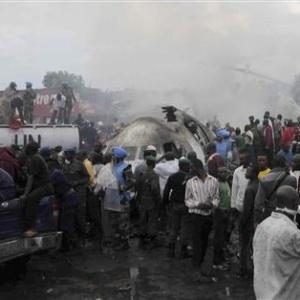 Фото №1 - В Конго самолет упал на дома
