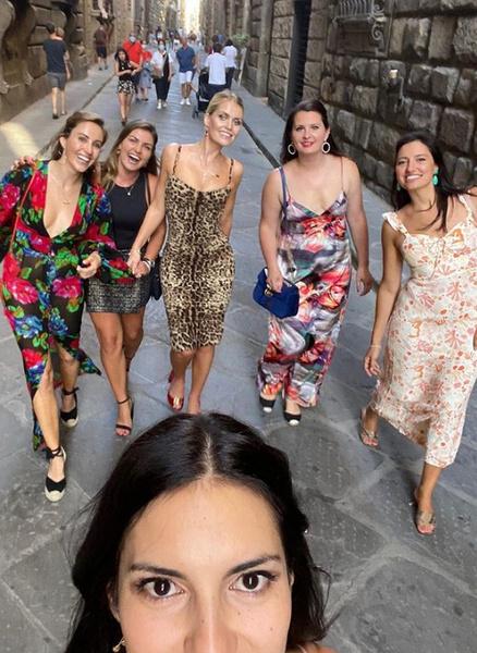 Фото №3 - Девичник в Риме, венчание в палаццо и 5 платьев Dolce&Gabbana: детали «свадьбы года» племянницы леди Ди