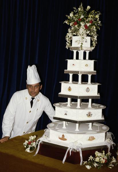 Фото №14 - Сладко: свадебные торты на королевских свадьбах