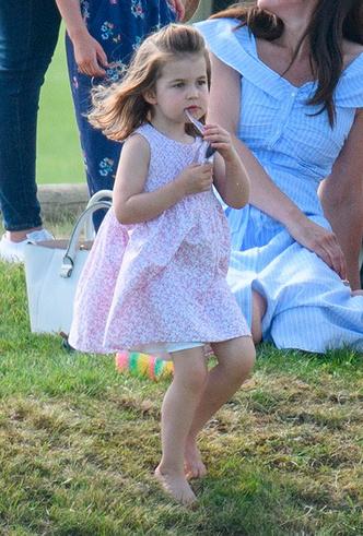 Фото №17 - Семейный выходной: принцесса Шарлотта, принц Джордж, Кейт и Уильям на игре в поло