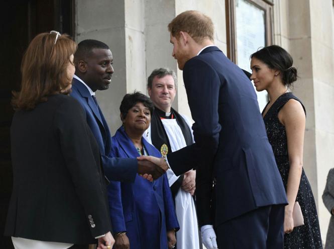 Фото №7 - Отвлекающий маневр: Меган Маркл и принц Гарри снова в центре внимания