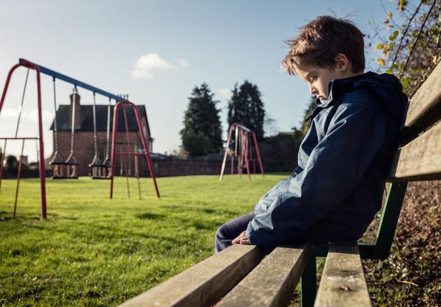 С ребенком никто не хочет играть в садике