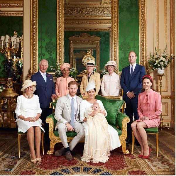 Фото №8 - После Короны: 9 главных моментов королевской жизни Меган и Гарри