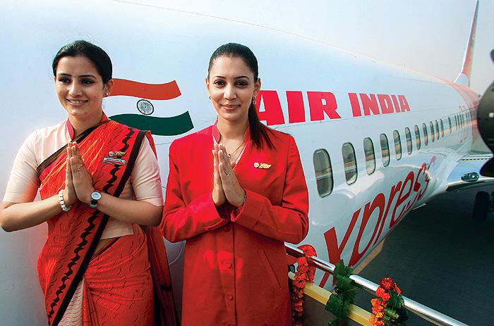Фото №7 - Высокие стандарты: стюардессы из разных стран мира