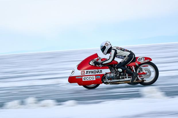 Фото №3 - Полегче на поворотах: как правильно ездить по льду