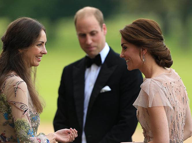 Фото №25 - Самые трогательные моменты из жизни герцогини Кембриджской в 2016 году
