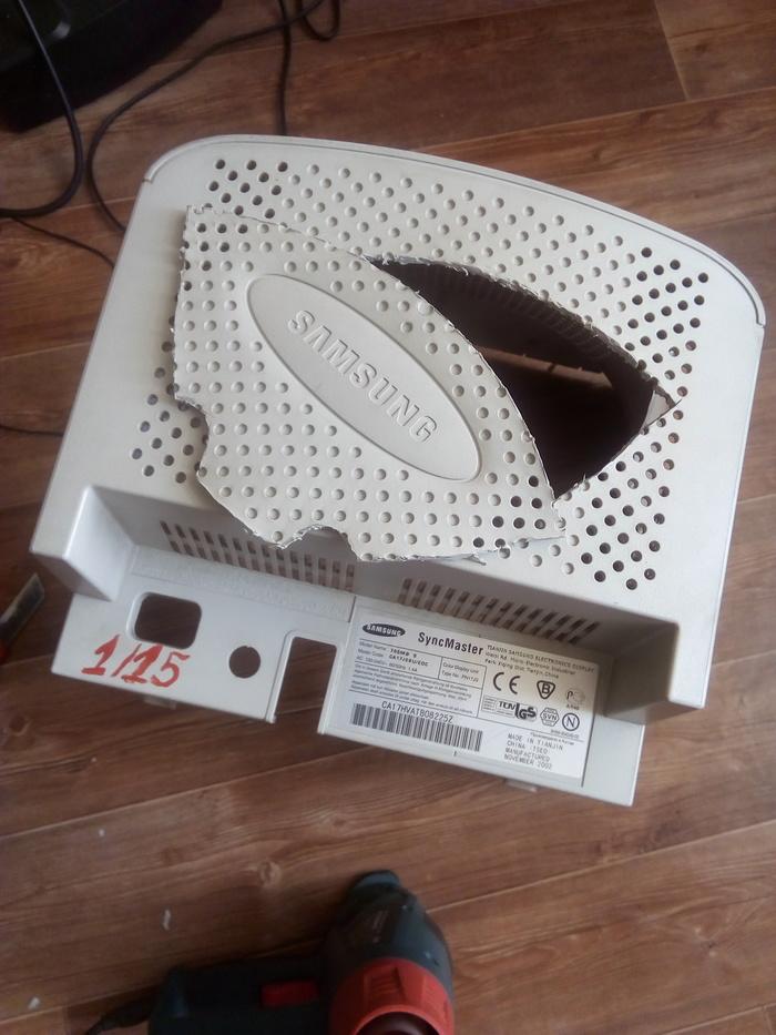 Фото №5 - Русский айтишник показал, как сделать маску чумного доктора из корпуса старого компьютера (фотоинструкция)
