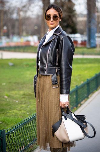 Фото №10 - С чем носить миди-юбки: 6 сочетаний, которые нужно попробовать