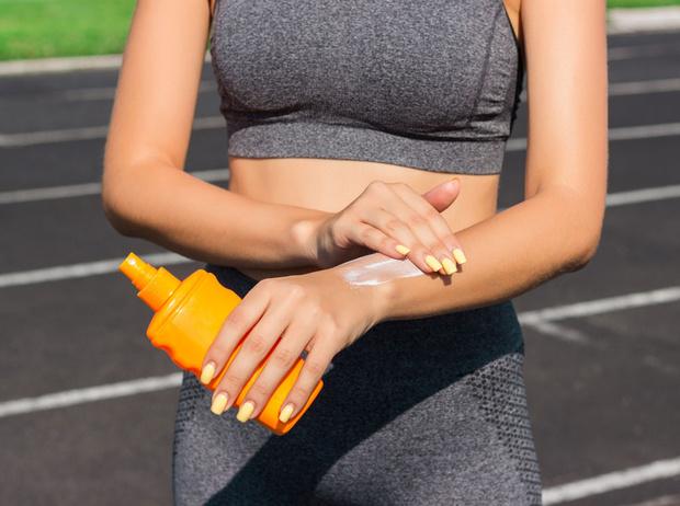 Фото №5 - Солнцезащитные кремы и не только: замедляем старение кожи