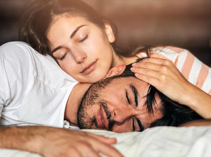 Фото №3 - 11 странных причин, почему мужчина влюбляется в женщину