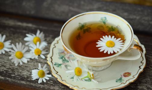 Фото №1 - Гастроэнтеролог рассказал, вредно ли пить чай в пакетиках
