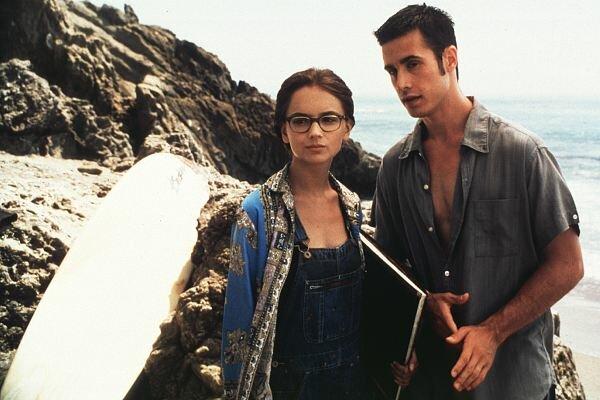 Фото №3 - Как в «Золушке»: 16 фильмов о любви популярного парня и обычной девчонки