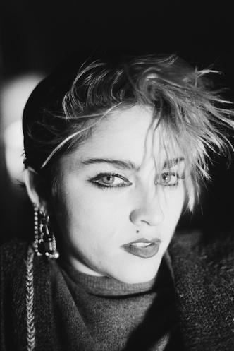 Фото №1 - Королева скандала: самые запоминающиеся образы Мадонны