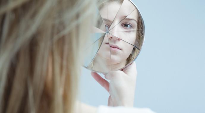 «Биполярочка» или «депрессуха»? Зачем придумывать себе диагнозы