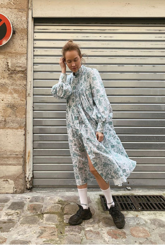 Фото №3 - Для дома и на выход: 10 платьев, которые пригодятся вам на карантине и после
