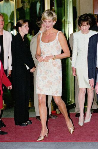 Фото №15 - Модная провокация: самые откровенные наряды принцессы Дианы