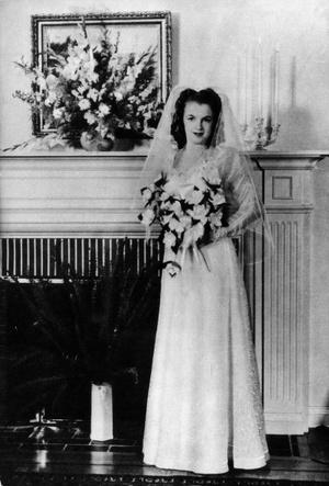 Фото №3 - Три свадьбы Мэрилин Монро: в чем выходила замуж главная блондинка Голливуда