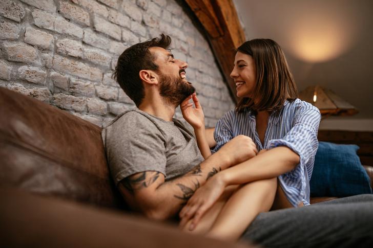 Фото №2 - «Толстый лысеющий индюк, зато богатый»: откровения любовниц