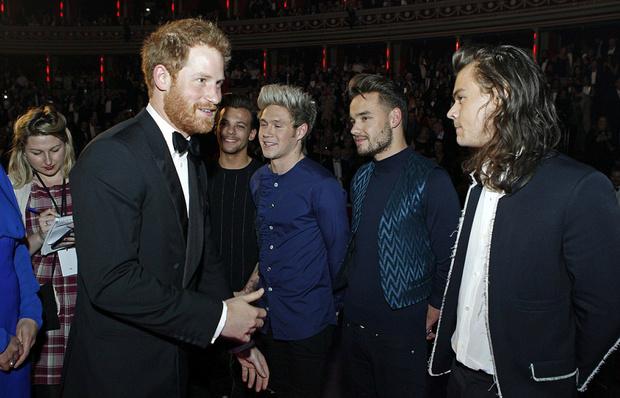 Фото №3 - Принц Гарри посоветовал Гарри Стайлсу подстричься